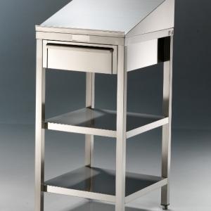 Edelstahl Stehpulte 560 mm Breite; 1280 mm Höhe